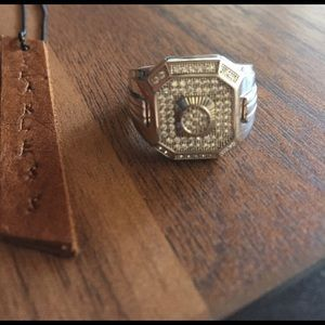 I just added this to my closet on Poshmark: Sterling silver men ring size 9. Price: $110 Size: OS