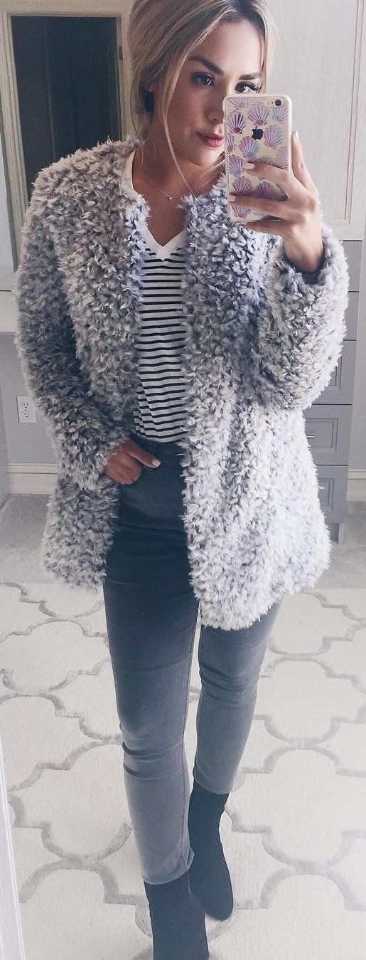 #winter #fashion /  Grey Faux Fur Coat / Grey Skinny Jeans / Striped Tee