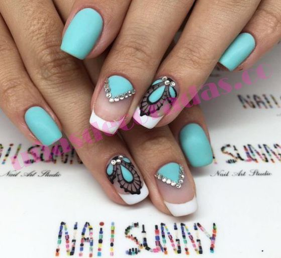 ¿Quieres que tus uñas brillen más que nunca? ✔ una genial idea sería usar uñas decoradas con piedras, mira estos diseños y decide cual es el tuyo.