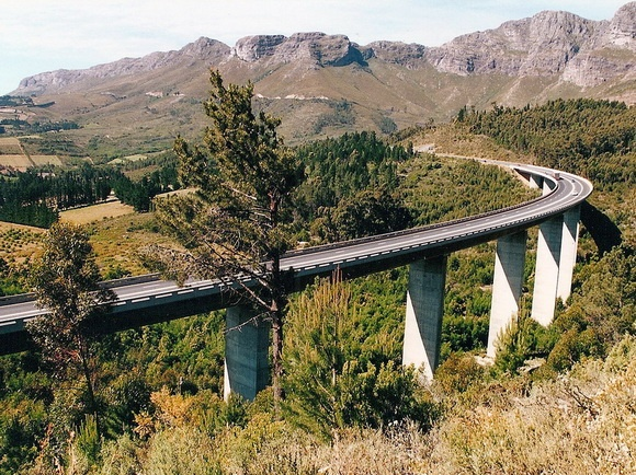 """A """"drive above the trees"""" - Du Toit Viaduct between Paarl and Worcester just before the Du Toits Kloof tunnel through the mountain."""