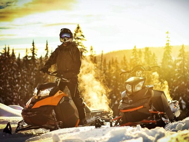 Best SkiDoo Snowmobiles Images On Pinterest Sled Dirtbikes - This is what happens when you fly a snowmobile off a cliff