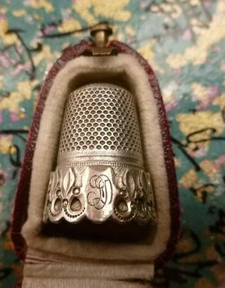 antique sterling silver thimble in case