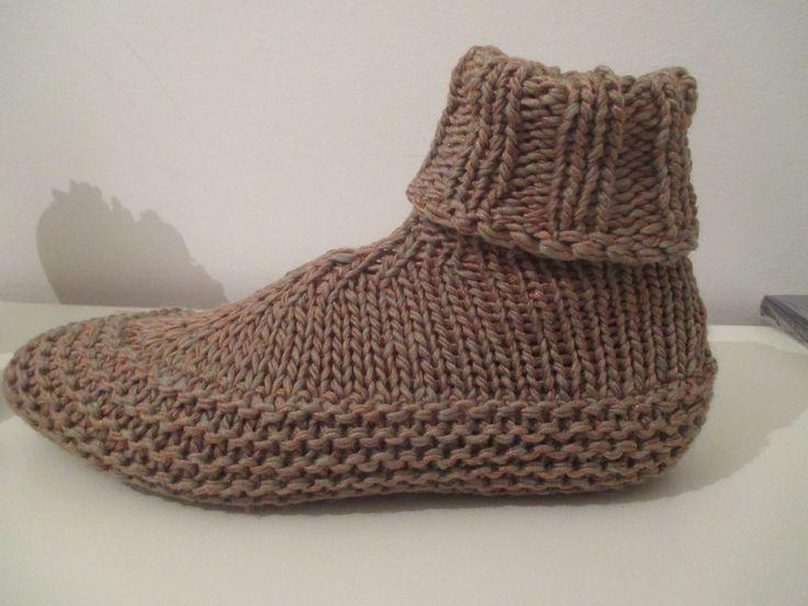 """Résultat de recherche d'images pour """"comment tricoter des chaussons en laine"""""""