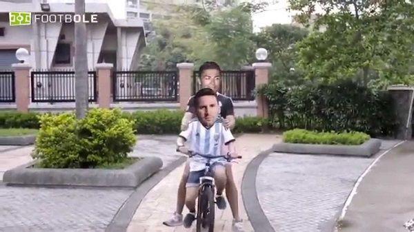 Chodzą razem ulicami, jeżdżą na rowerze, grają w Fifę • Lionel Messi i Cristiano Ronaldo najlepszymi przyjaciółmi • Zobacz film >>