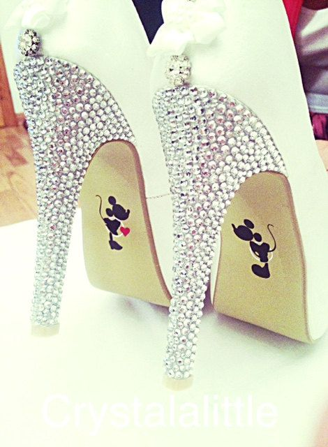 Mickey and Minnie Wedding Shoe Stickers- Wedding Decal- Wedding Favour- Bride Gift- Bridal Shoes- Photo Prop