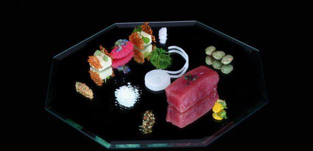 Oosters gemarineerde tonijn met wasabi-panna cotta en een marmelade van radijs - Recept!