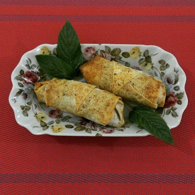 Haşhaşlı & Tavuklu Börek - Pastry with Chicken Breast and Poppy Seeds Paste #haşhaş #hashas #tavuk #borek #poppy #poppyseed #poppyseedspaste #chickenpastry #pastry #delicious #deneysel #deneyselmutfak #experimental #experimentalcooking