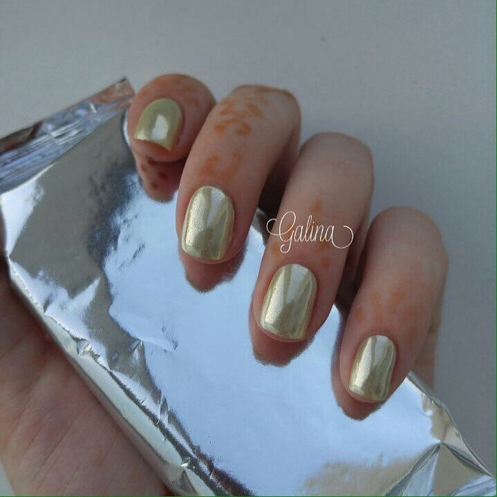 Beautiful nails 2017, Classic nails ideas, Classic short nails, Foil nail art, Gold nail art, Gold nail ideas, Metallic gold nail polish, Nails ideas 2017