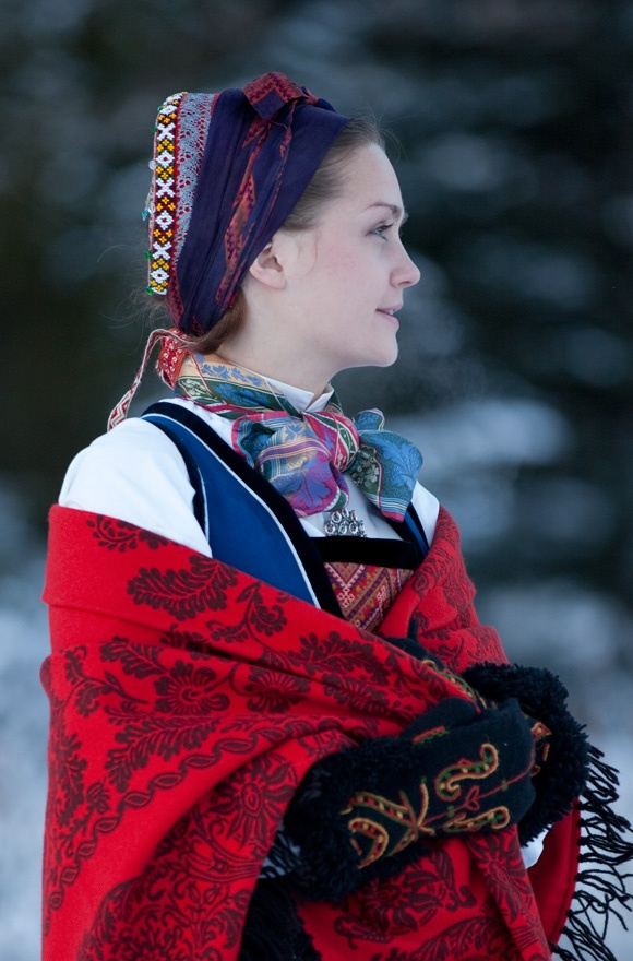 Norwegian - Woman's folk clothing from Valdres-some parts of northern Hallingdal.