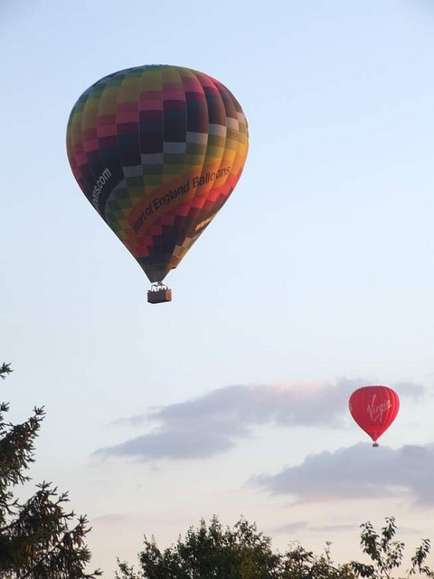 Very low flying balloons this evening over Whitnash, UK