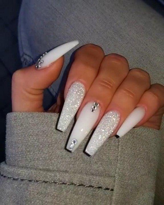 Pin By London8953ebetht On Nails Acrylic Nail Set Nails Design With Rhinestones White Acrylic Nails