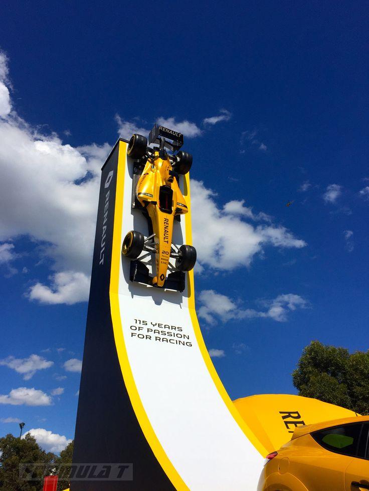 Melbourne F1 2016  Renault display