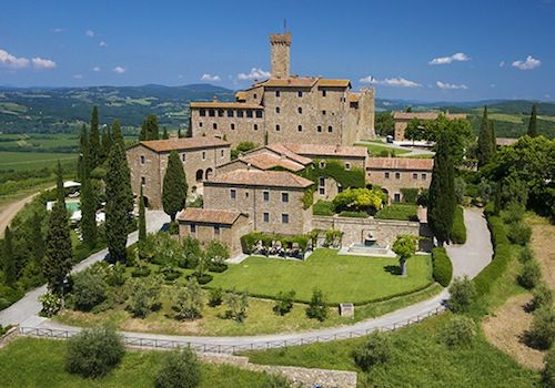 Easter Holidays in Tuscany: This year, plan your Easter holidays in Tuscany and rediscover the treasures of the region. #tuscany #italy #easter