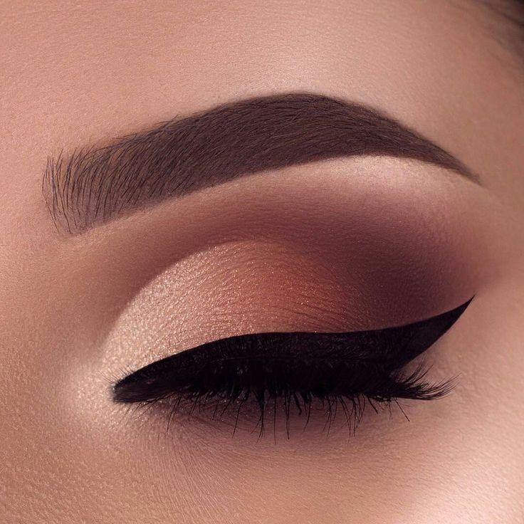 Matte burgundy eye