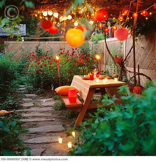 Intimate garden dinner.  Photography by Susan Findlay.