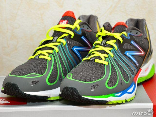 Атлетические кроссовки NEW BALANCE оригинал, модель 890 Running Shoe, арт.:M890RB3. Цвет:чёрные с красным и зелёным(Black with Red & Green). Производство Китай. Куплены в США за 110 долларов + пересылка. Новая обувь в коробке.
