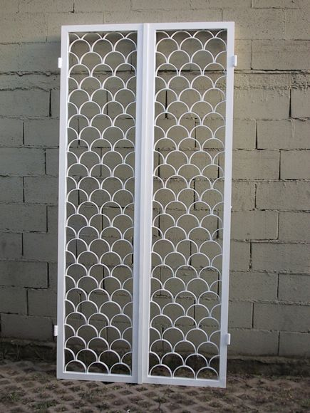 Inferriata bianca per portafinestra - Fratelli Brivio