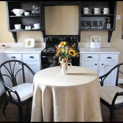 This is a great idea for a kitchen or dining room are: Parade Of Home, Cottages Style, Open Shelves, Guest Cottages, Black Cabinets, Small Kitchens, Master Bedrooms, Burlap Tablecloths, Guest Houses