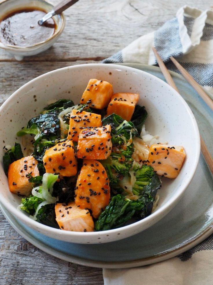 Limemarinert laks med grønne grønnsaker og ris