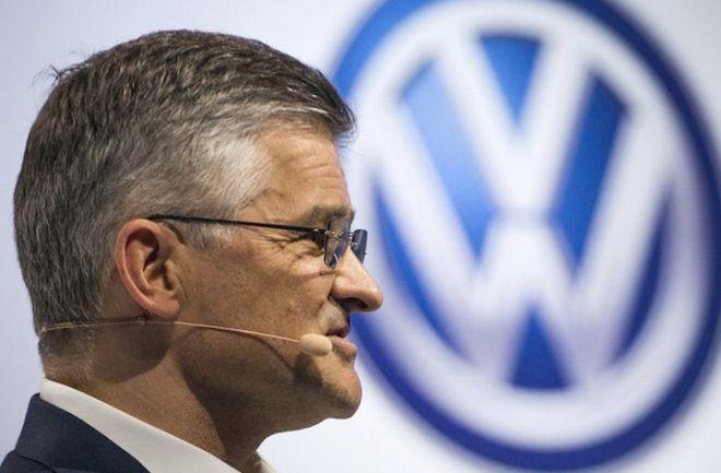 """Presidente de Volkswagen: """"La hemos cagado por completo"""". Michael Horn, responsable en los Estados Unidos, reconoció el fraude ecológico cometido. http://www.argnoticias.com/mundo/item/37626-presidente-de-volkswagen-la-hemos-cagado-por-completo"""