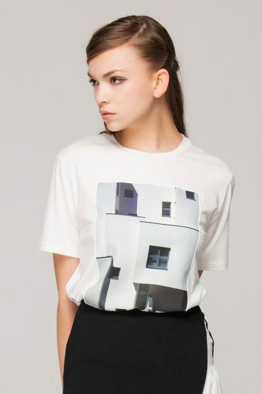 T-shirt in monochrome Bauhaus print