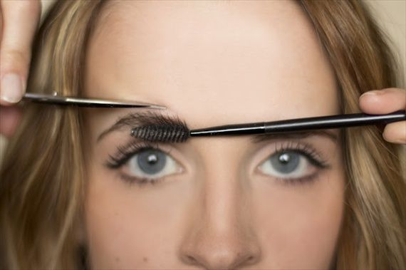 Perfect brows How-to.  I need this!