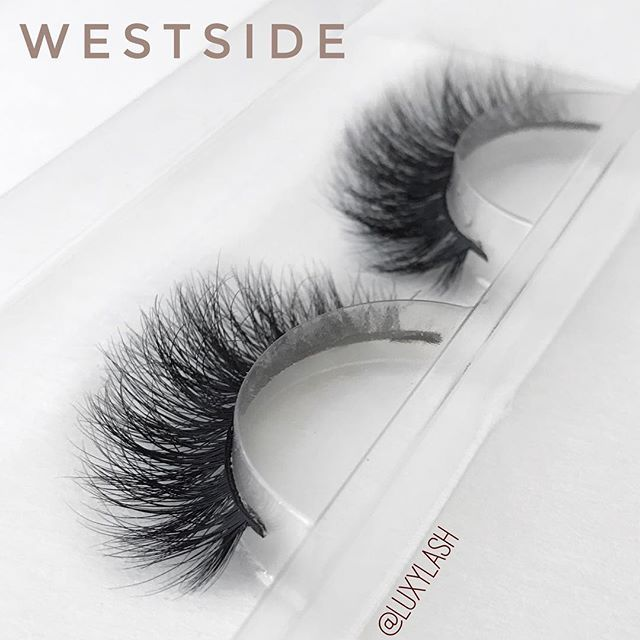 HOLD UP!✋ Sorry to interrupt your scrolling but can we just take a moment & stare at all this fluffy goodness?! #Obsessed #MustHaves #SoFluffy  Light-weight | Comfortable | Reusable 25x✔️ SHOP: www.luxy-lash.com (Click the link in our bio now!)