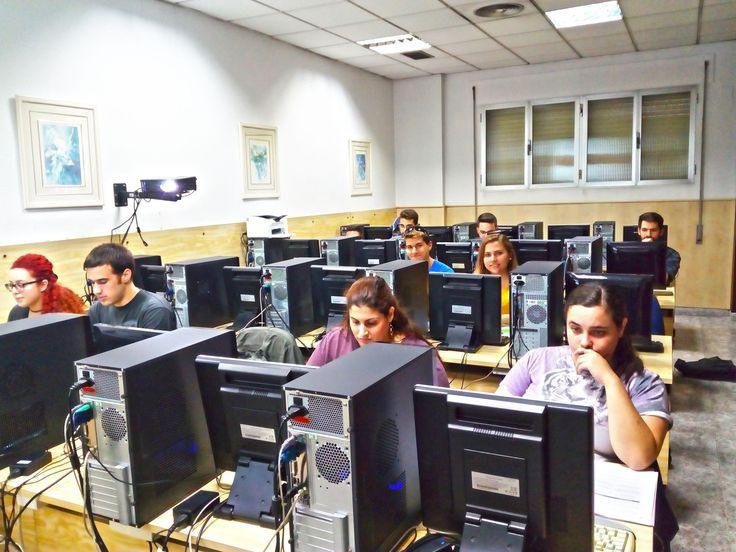 👉 Alumn@s del curso de DISEÑO DE PÁGINAS WEB 💻 ➡ Está dirigido a todas aquellas personas interesadas en aprender a diseñar páginas Web.  @MalagaJuventud  #malaga #cursosmalaga #aytomalaga #diseñoweb #ofertaformativa