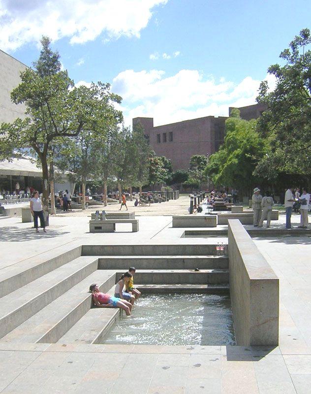 Parque de los Pies Descalzos ('Bare Foot Park'), Medellín, Antioquia, Colombia  Colombia Paisajes  Für Informationen Zugriff auf unsere Website   https://storelatina.com/colombia/travelling #recipes #comida #Kolonbian #કોલમ્બિયા