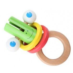 Prvá drevená hračka Mimi pre najmenších! Hračka z dreva pre najmenších zaujme bábätko najmä veľkými drevenými očami, ktoré sa dajú otáčať. Drevené krúžky pri hrkaní vydávajú zaujímavý zvuk dreva.