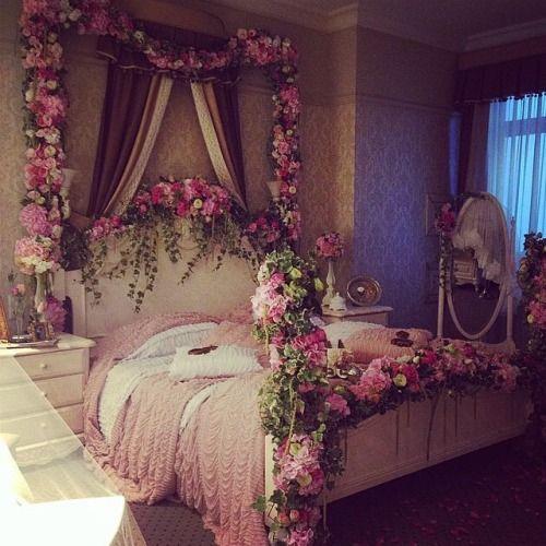 10 id es propos de chambre a coucher romantique sur for Chambre a coucher entiere