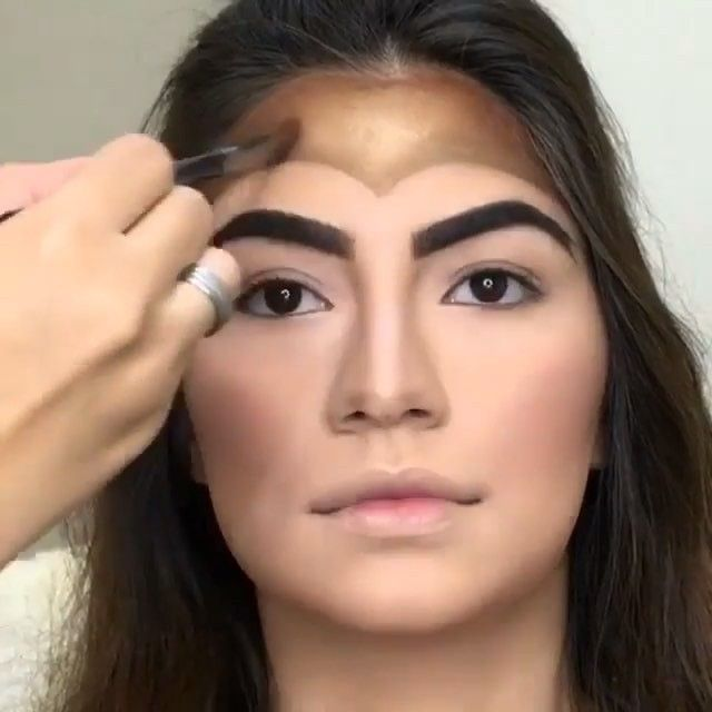Amazing Wonder Woman makeup 👀 by @prislessamakeup