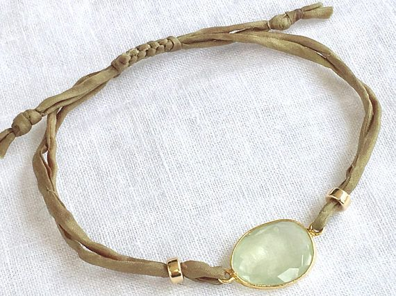Minimalist Jewel ankle bracelet in Prehnite