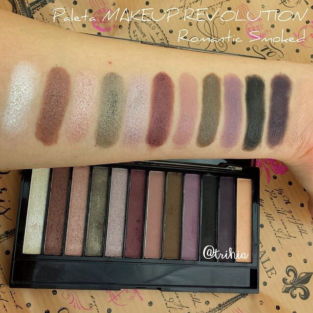 Makeup Revolution - Paleta de sombras de ojos Redemption - Romantic Smoked