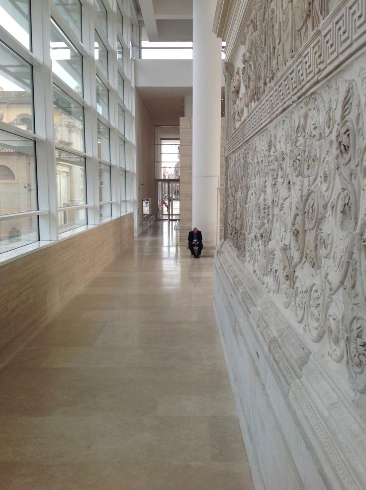 Beata Solitudo (dei musei dopo che le biglietterie han chiuso!)  #roma #invasionidigitali #microma #arapacis