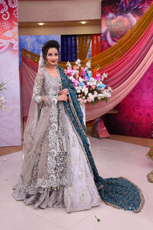 a88a40449b9c Bridal Velvet Dresses- Winter Velvet Dresses Designs Latest Trends  Collection 2018-19 (4)
