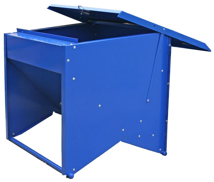 Feed can be quickly and easily loaded into the Priefert Creep Feeder by sliding open the top of the feeder.