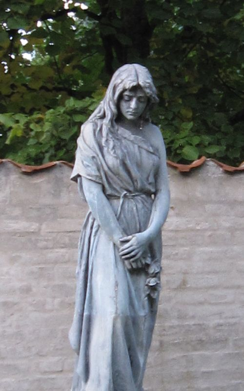 Spring_Sculpture_ Cemetery