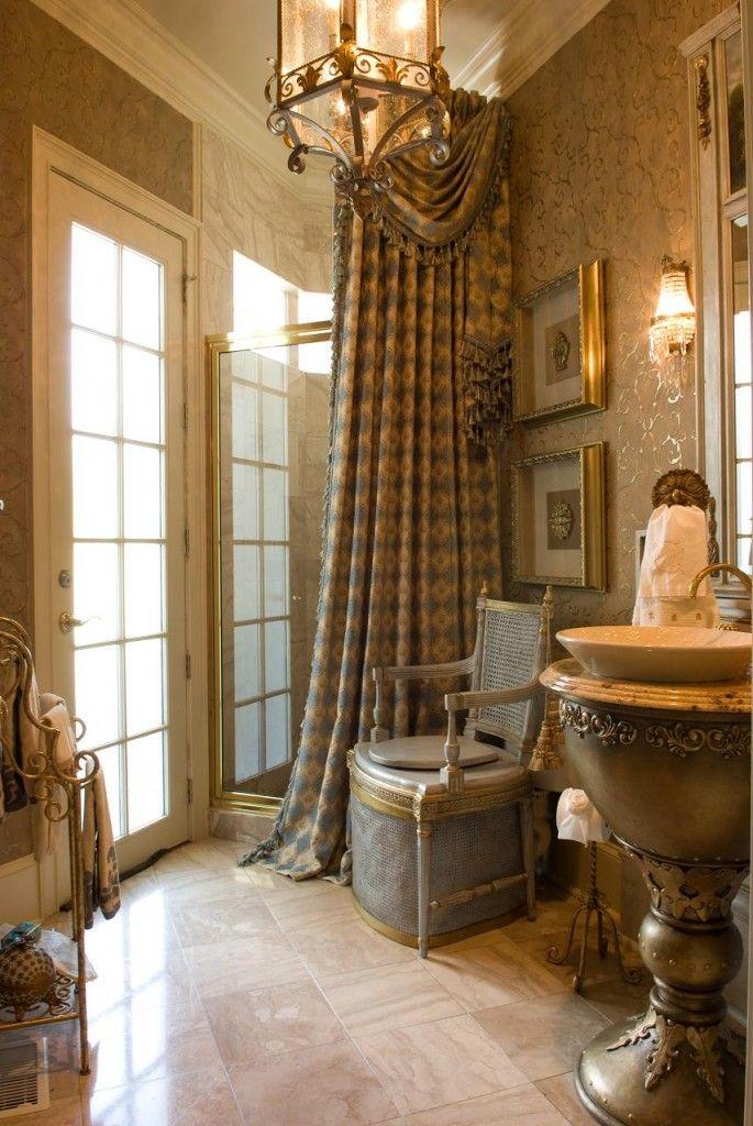 French bathroom | Armchair General ᘡղbᘠ