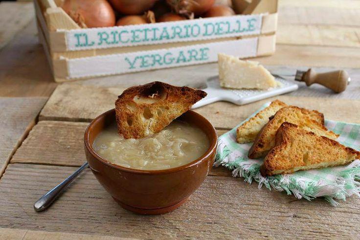 Zuppa++di+cipolle+con+crostini