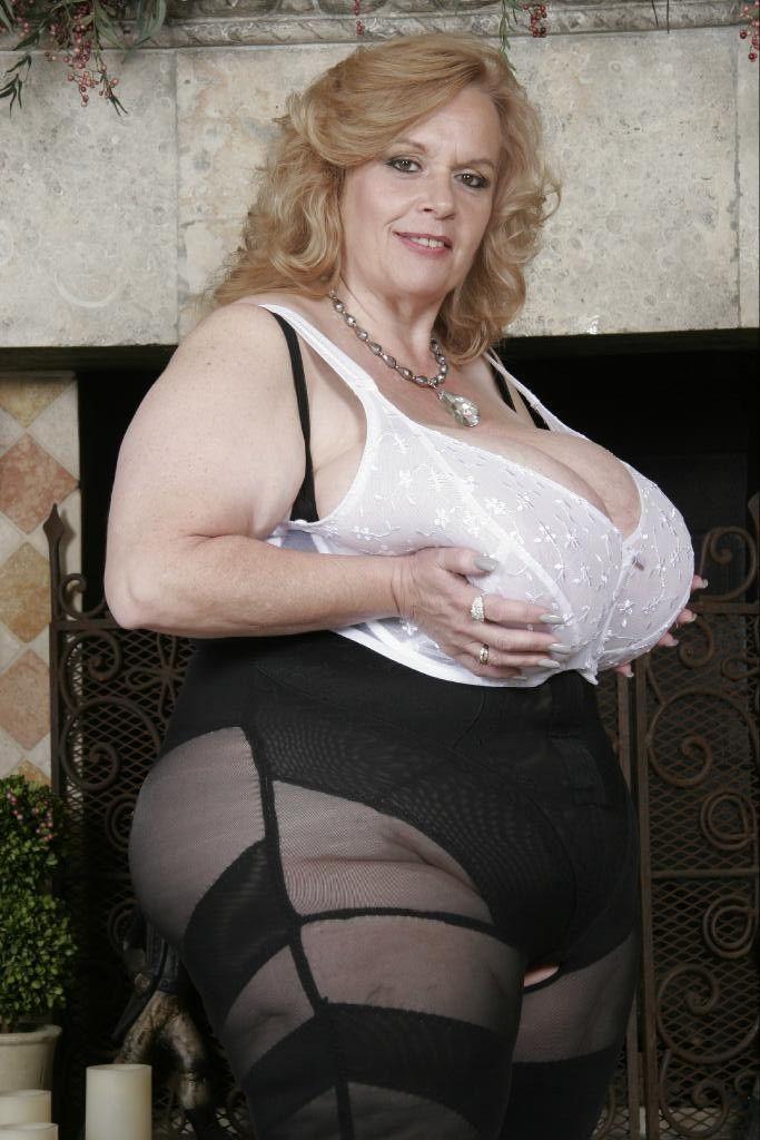www mature woman full figured