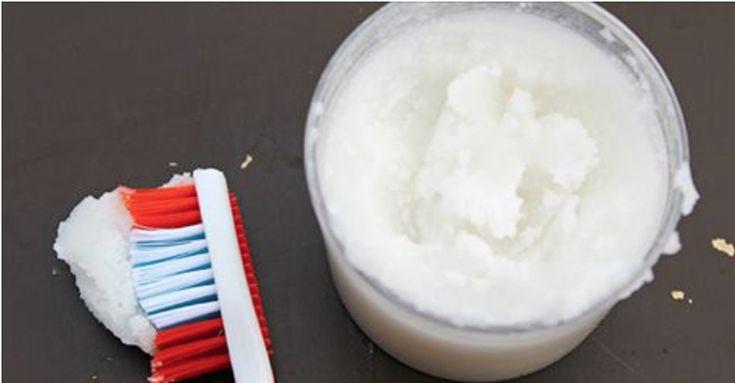 Qual a vantagem de fazer a própria pasta dental?São muitas, e a maior delas é produzir uma pasta totalmente natural.