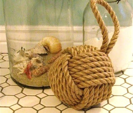 Learn How To Tie A Monkey Knot! (This Monkey Knot is weighted to enable it to be used as a door stop)