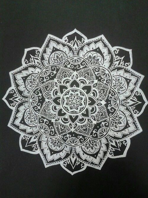 Bild über We Heart It https://weheartit.com/entry/157104426 #beautiful #blackandwhite #Boh #boho #design #fashion #henna #hippie #indie #love #pretty #style #tumblr