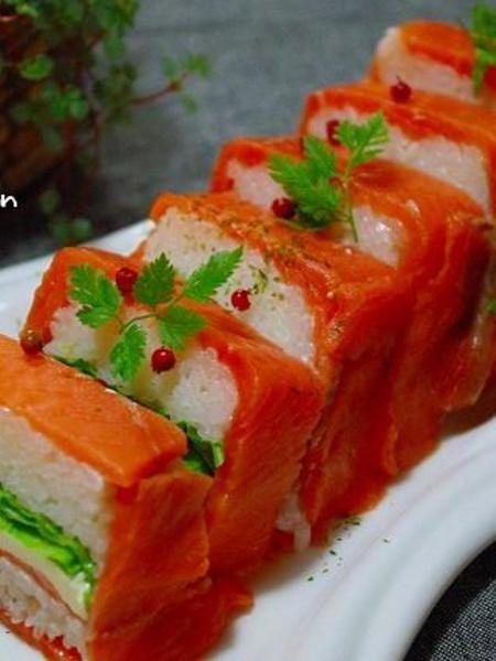パーティー仕様♪ケーキみたいなサーモン押し寿司 by Mayu* | レシピ ...