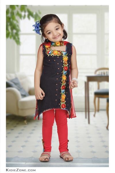 Launching Kid Models Krishika Bansal  http://www.kidiezone.com/krishika-bansal/