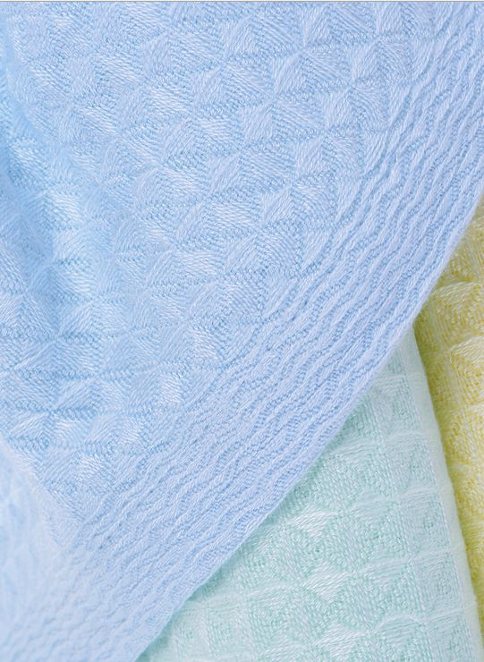 These 100% bamboo waffle blankets are super soft and slinky with a beautiful textured feel. A great baby shower gift that will be well received and well used !