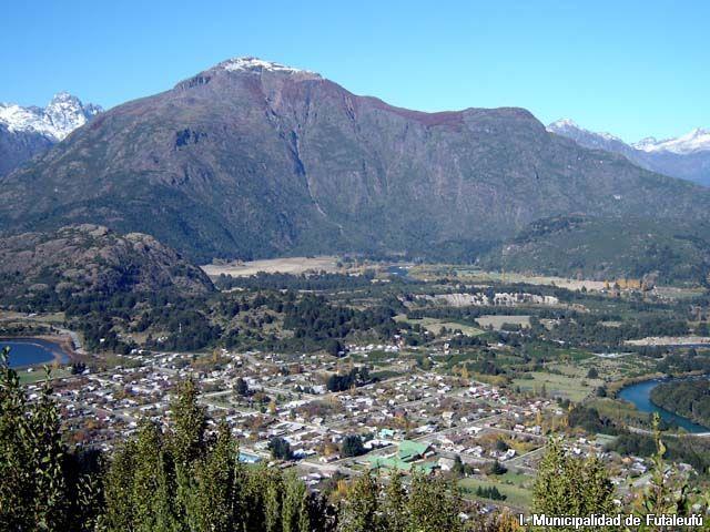 Vista from the Cerro La Bandera hike outside of Futaleufu | from Sur Turistico Chile http://www.surturistico.cl/images/palena/futaleufu/galeria/Vista_Cerro_La_Bandera.jpg