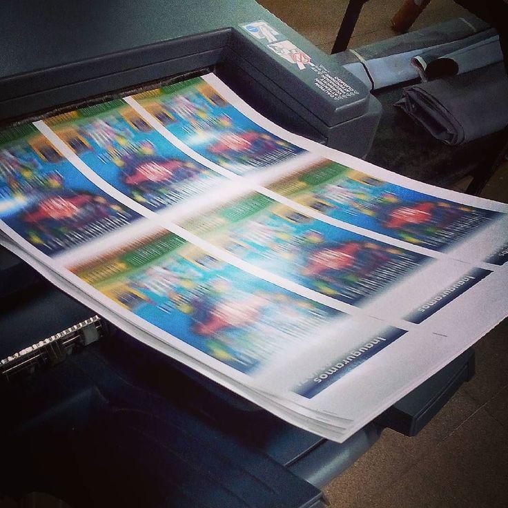 11:00 recibimos al cliente en el estudio 14:37 está saliendo el folleto impreso en la imprenta. Diseño y gestión express ja ja ja! #design #BeBop #bebopweb #graphic #print #flyers #misiones #argentina