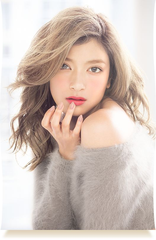 Mid length wave loose hairstyle